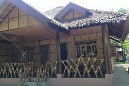 Santi`s comfy cottages - Negros Oriental
