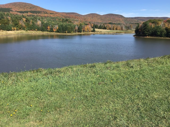 The Hideaway~Catskills 2BR next to Lake