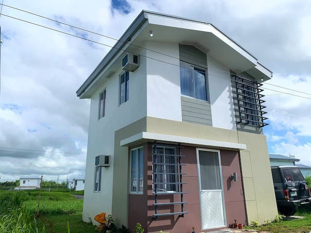 2BR for 4 people! Near Ruins, Metro Ayala Mall!