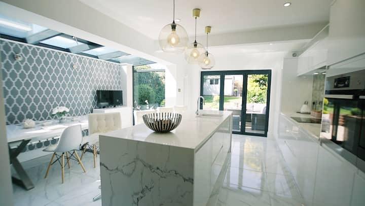 Sea Salt Luxury House in Centre of Lymington