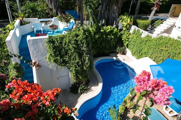 La Casa Luna Y Sol - Luxury Home on Isla Mujeres
