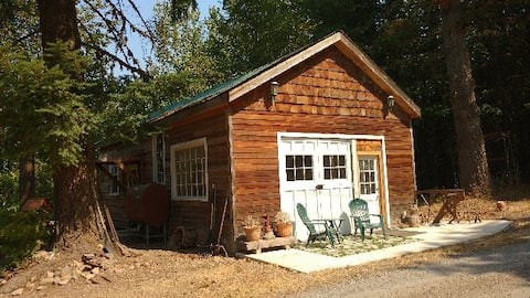 """Carriage """"Hen"""" House at Tired Dog Ranch"""