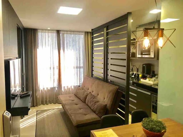 1 BD in the heart of BH w/ A/C, PARKING in Lourdes