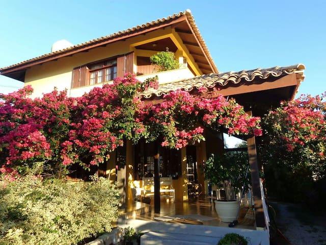 Bela casa entre as Praias do Santinho e Ingleses - Florianópolis - Casa