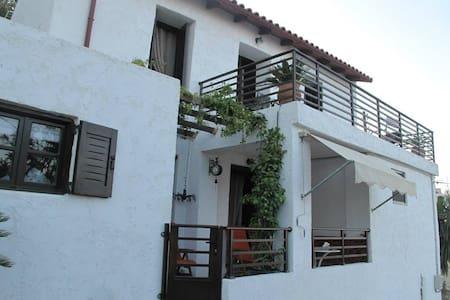Sunny Villa with fantastic view - Rodia - Haus
