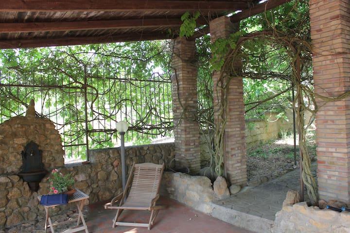 Villa Unifamiliare vicino al Lago - Enna - House