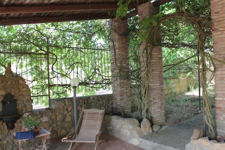 Villa Unifamiliare vicino al Lago - Enna