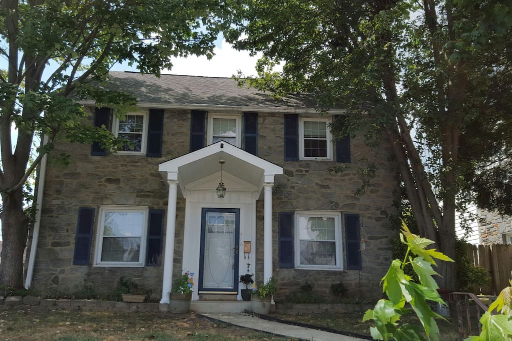 Family And Pet Friendly Colonial Houses For Rent In Upper Darby Pennsylvania United States