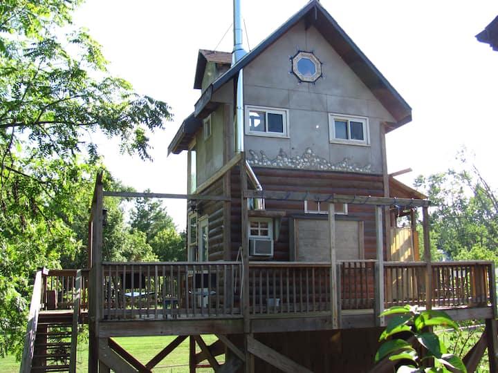 Treehouse on Stilts