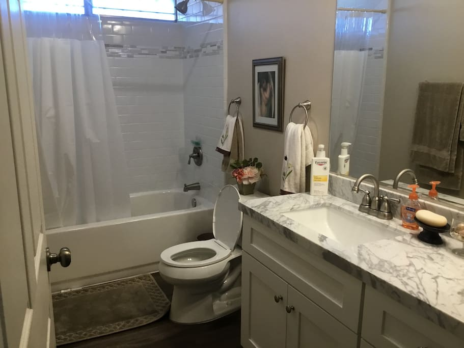 Sunny san diego north private rm bth sleeps 3 houses for Mattress cleaning service san diego