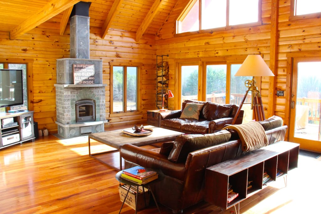 Luxury catskills log cabin case in affitto a prattsville for Persiane delle finestre di log cabin