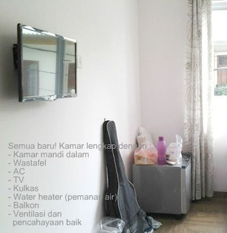 Fully furnished, private Lisanda Hs - West Jakarta - House