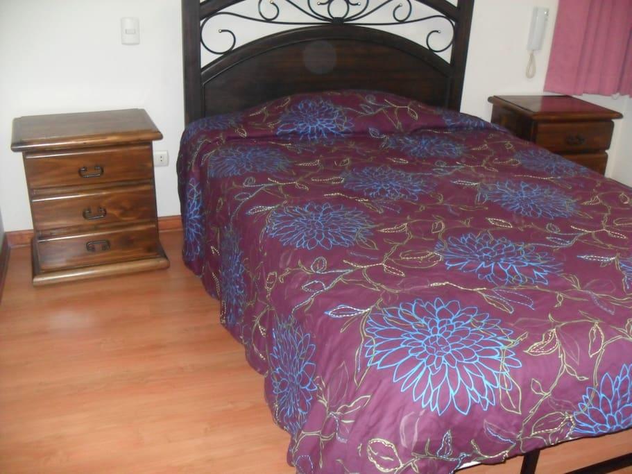 Double bed - bedroom 1