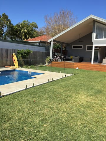 Nrth Manly family home with pool - North Manly - Haus