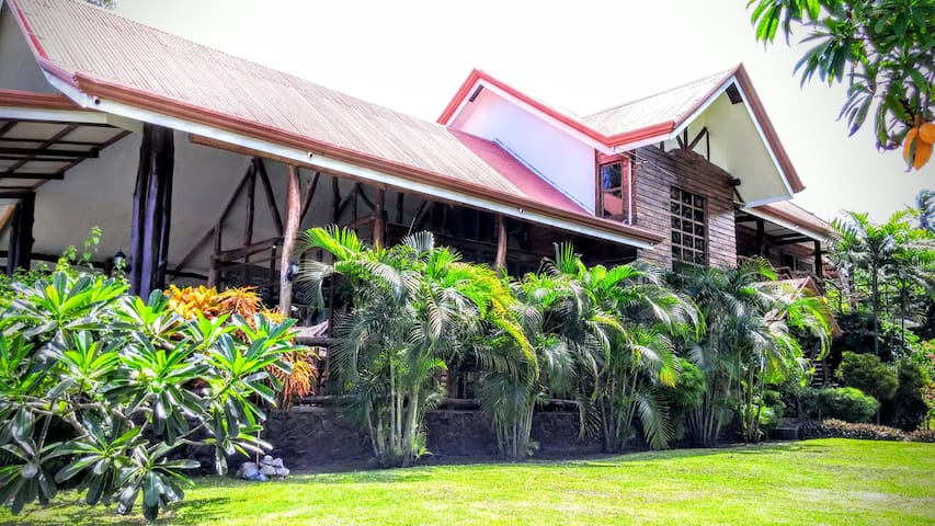 Southwoods Inn - The First Log Home in Negros Or. - Bacong - Bed & Breakfast