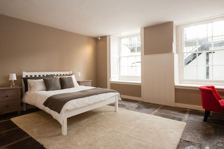 Serviced apartment, Clifton Village