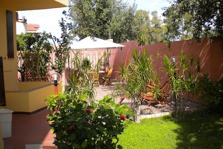 Apartment In a Villa By The Sea (1) - Quartu Sant'Elena