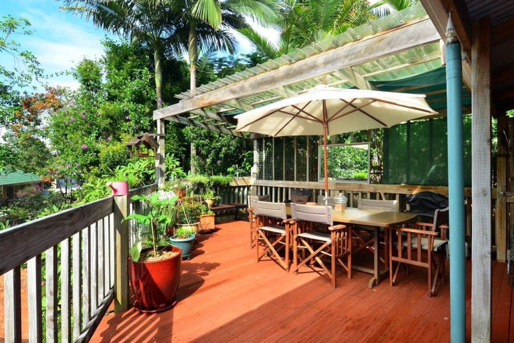 Spacious deck for sunbathing and relaxing