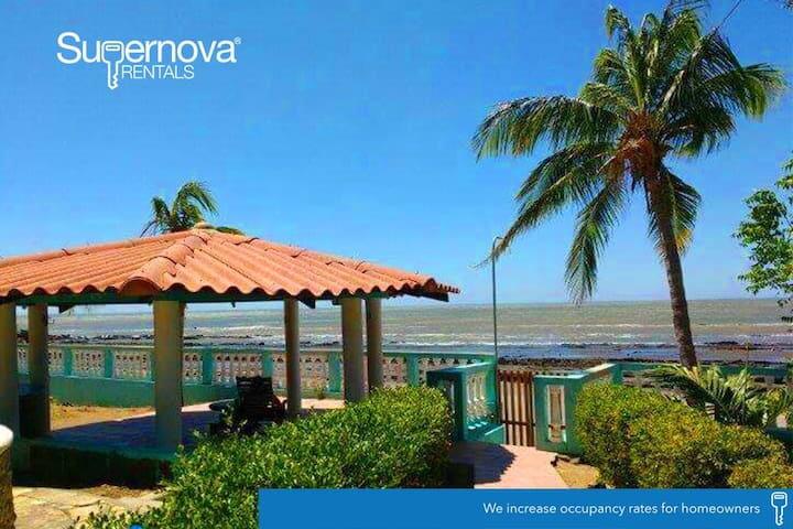 Villa Ninoska - Playa Casares - Rumah
