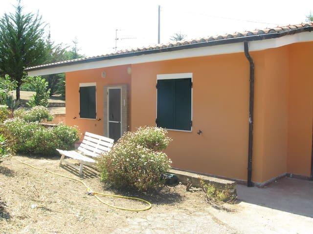 Villetta in campagna 6 km mare - Sant'Elpidio a mare - Hus