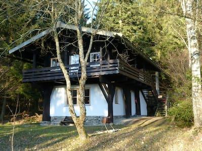 Holzblockhaus im Bayerischen Wald - Bischofsmais