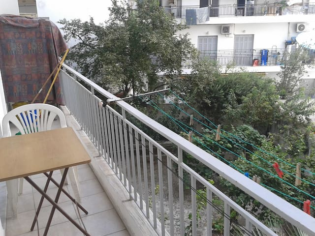 Cozy apartment in the center - Volos - Daire
