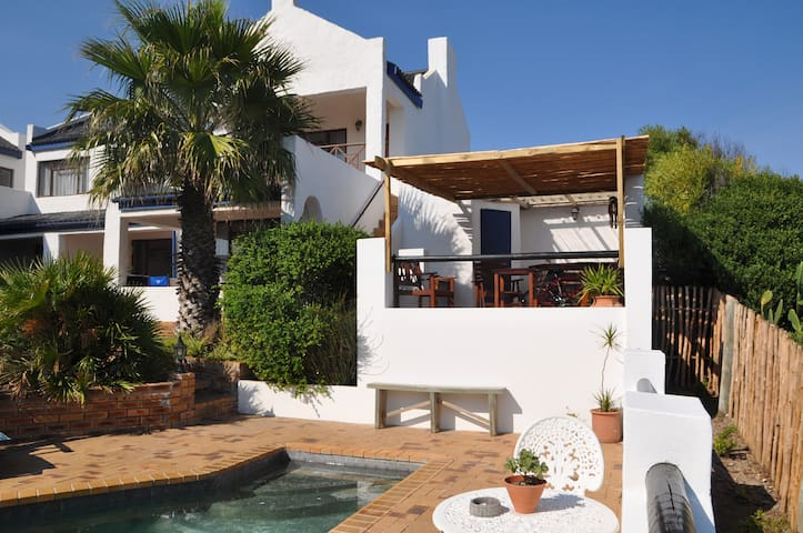 Double or twin room at Saxon Lodge - Gansbaai