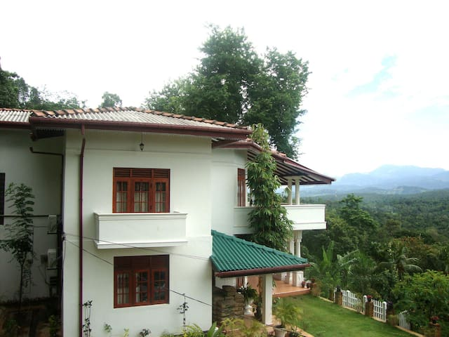Senri Village - Matale - Bed & Breakfast