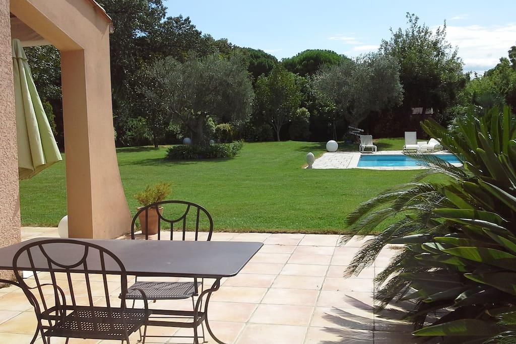 Chambres dans villa avec piscine chambres d 39 h tes - Chambre d hote languedoc roussillon avec piscine ...