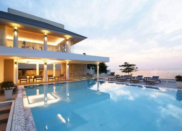 4B4R Pool Villa Pattaya