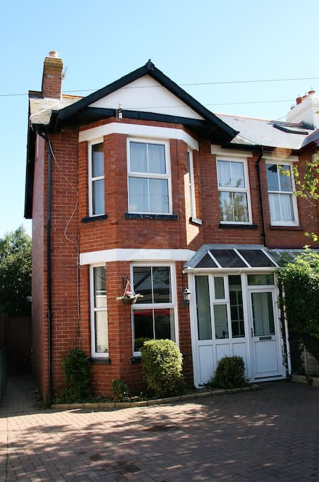 Period property over 3 floors including the attic room.