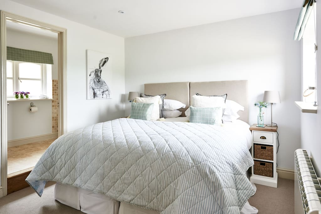 super king bed with luxurious Egyptian cotton sheets