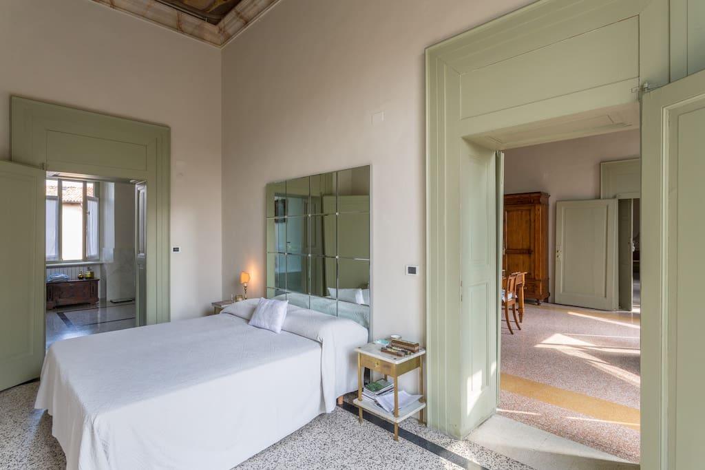 Stanza in palazzo 39 700 lago garda appartamenti in for Stanze in affitto brescia