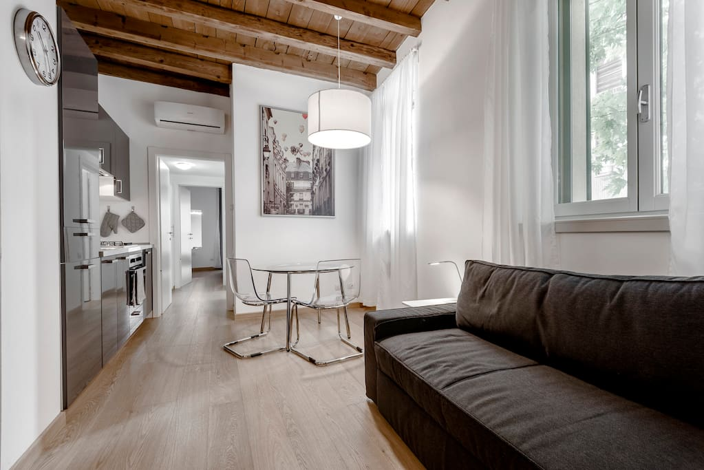 New flat in front of sempione park flats for rent in for Living milano sempione