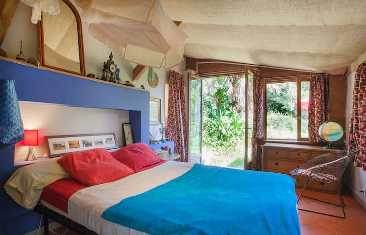 Chambre indépendante et cuisine dans le cap Corse