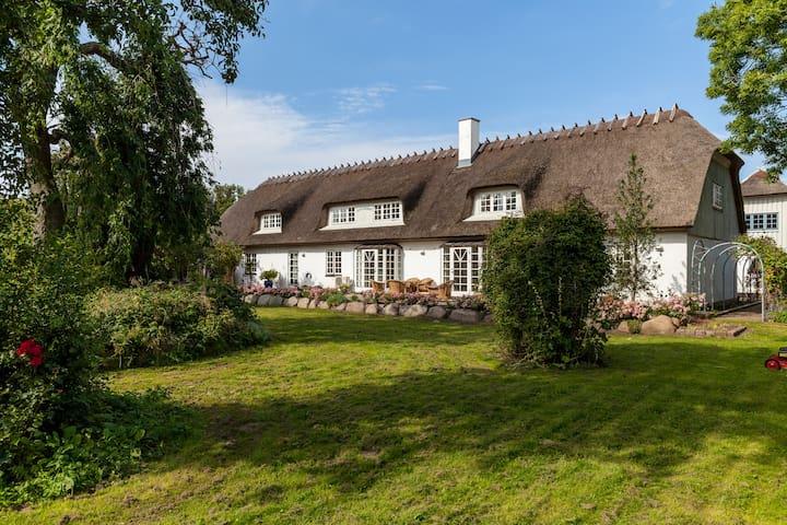 Ophold på skønne Rane Ladegaard - Ebeltoft - Apartment
