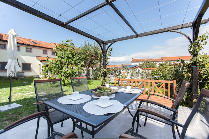 ZENJA - charming home with privacy at Škocjan cave