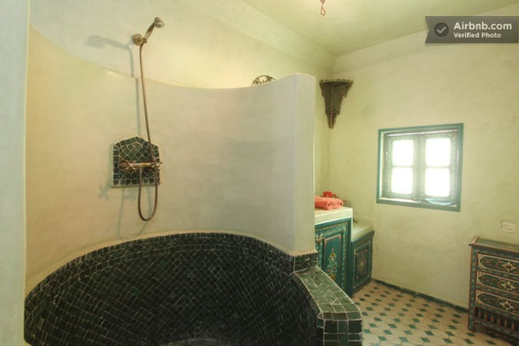 Bathroom for guests at the upper floor.