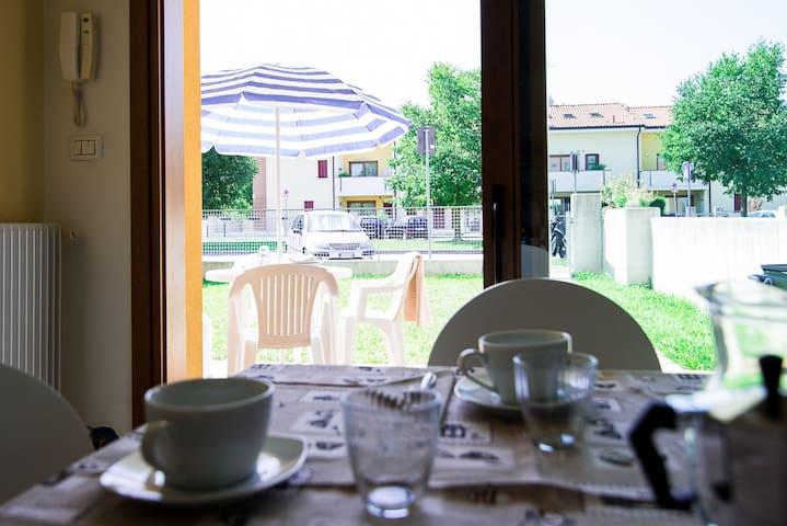 SPLENDIDO MONOLOCALE + GIARDINO D8 - Mogliano Veneto - Apartment