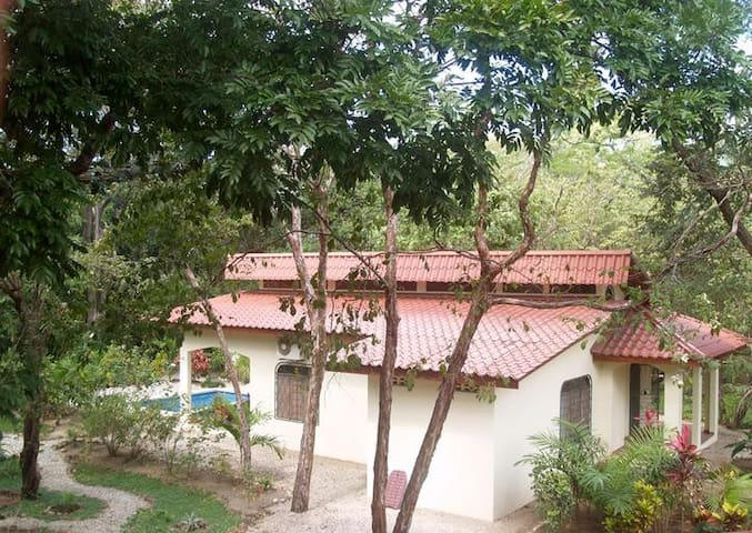 2BR Cabina 200 meters to the beach - Nosara - Ev