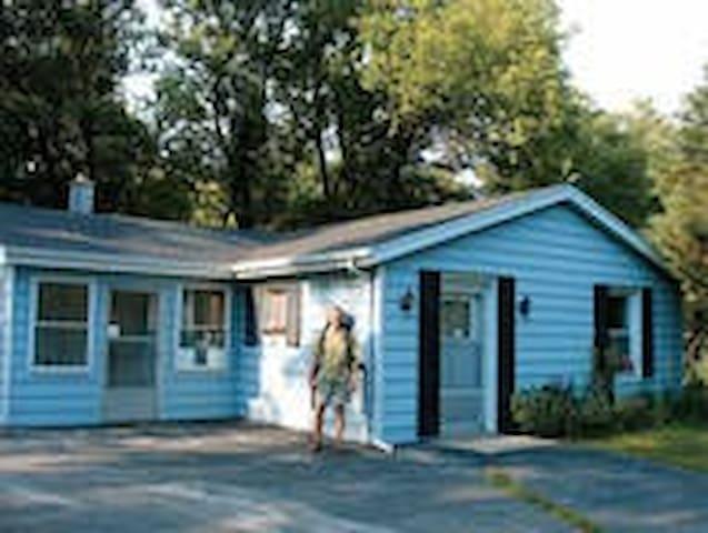 Wellspring B&B - Guest House - West Bend - Bed & Breakfast