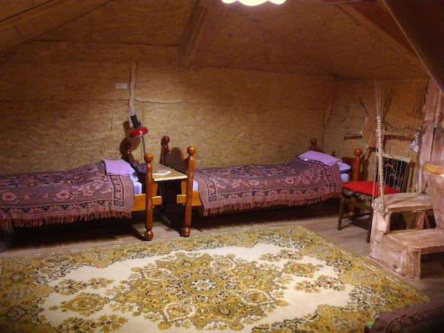 Мансарда в деревянном доме. - Irkutsk