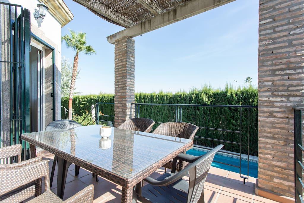 Chalet de lujo con piscina sevilla villas en alquiler - Chalet de lujo en madrid ...
