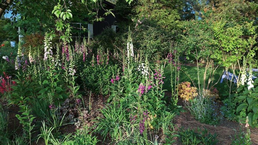 Gardener's Retreat - Medford - Ev