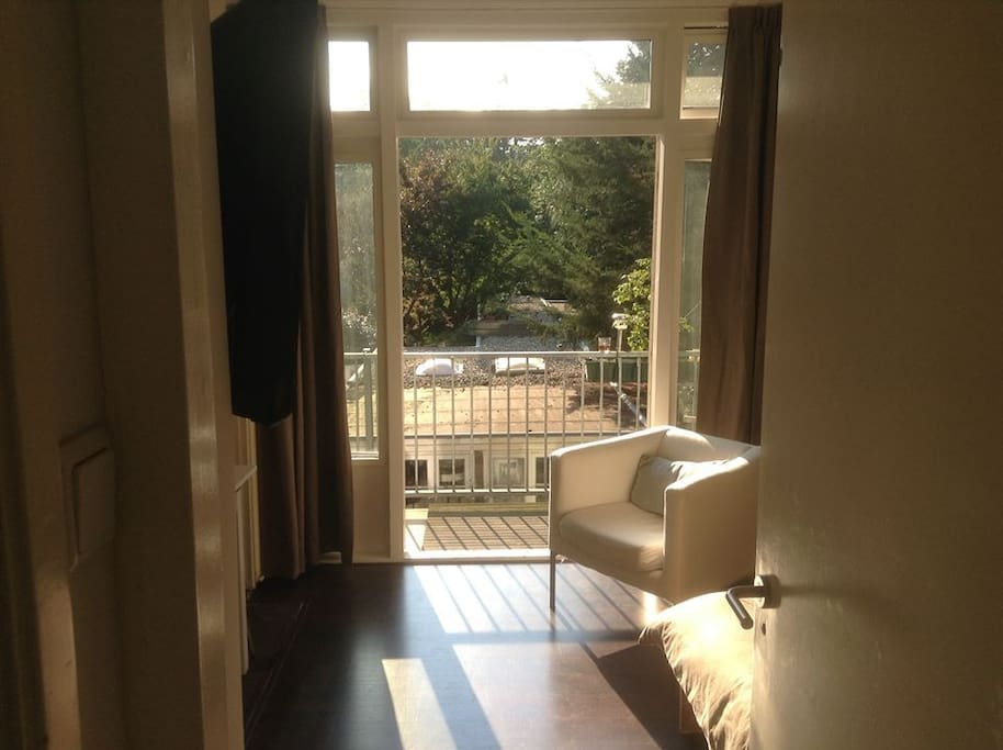 Beautiful balcony apartment apartments for rent in for Beautiful apartment balconies
