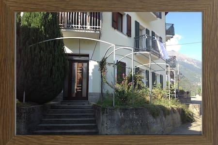 Accogliente casa vacanze Valtellina - Villa di Tirano - Appartement