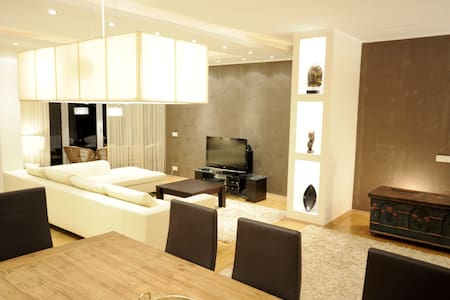 Luxury Penthouse Belgrade / Vracar - Belgrad - Huoneisto