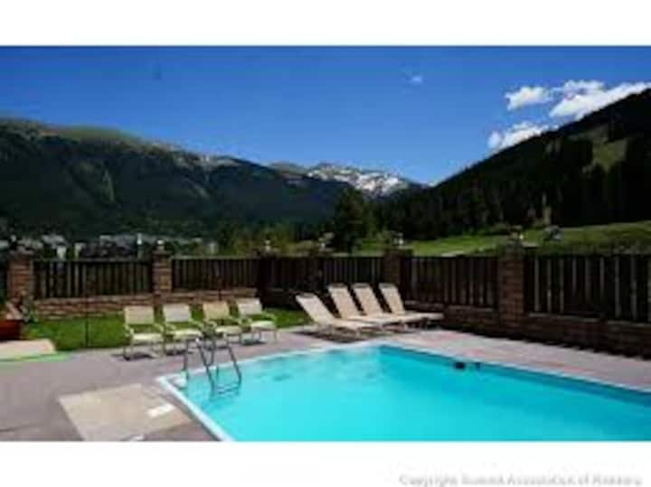 Copper Mtn Retreat with heated outdoor pool