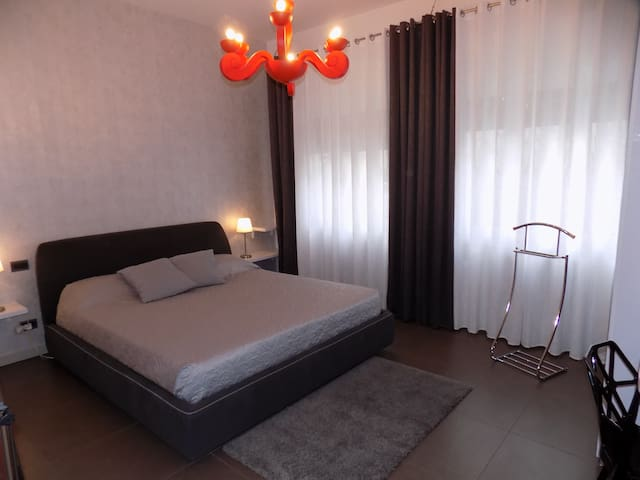 100 m. from Venice-Mestre station with bathroom - Venetië - Appartement