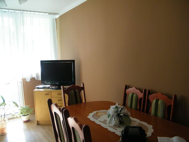Wygodne mieszkanie blisko Legnicy - Chojnów - Appartamento